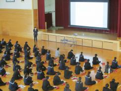 R02.11.05_3年キャリア教育講演会 (6).JPG