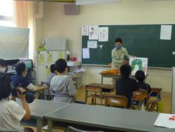 0601読み聞かせ2.JPG
