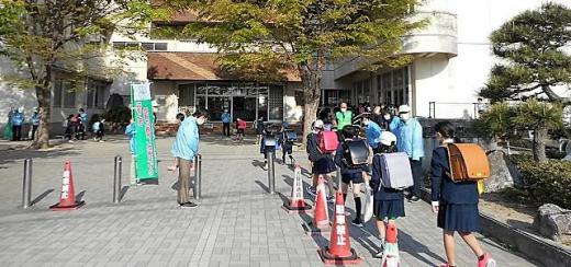 4.20あいさつ運動.JPG